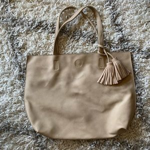 Tote Bag With Fringed Pom Pom